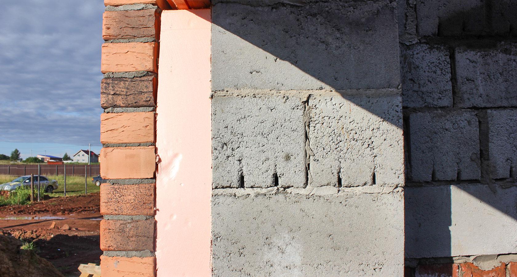 Возведение двухслойных панелей для стеновых конструкций