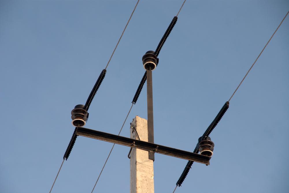 Штыревой способ крепления кабелей ЛЭП